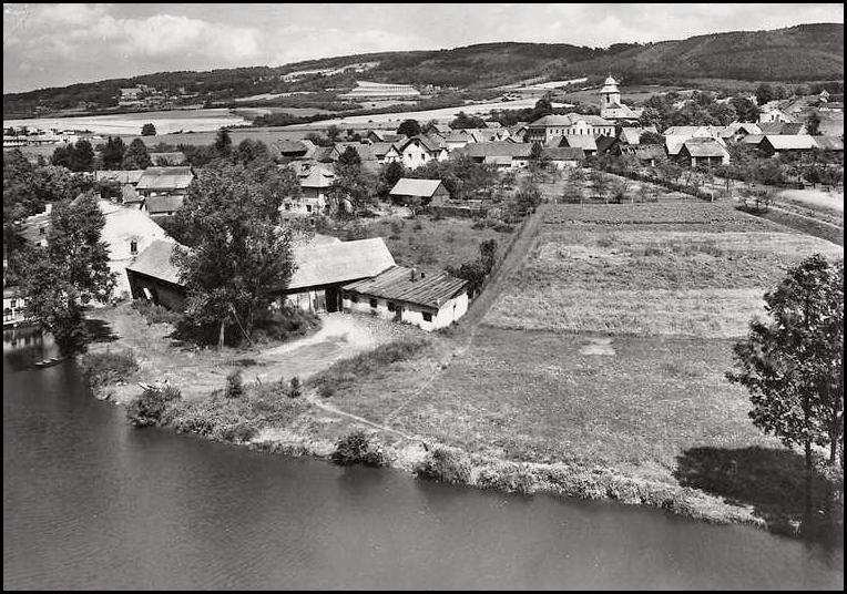 zahradka-1968-historicka-fota.jpg